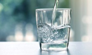 ถ้าเห็น 'น้ำ' เหล่านี้ต้องเลี่ยง ดื่มแล้วอาจเป็นอันตราย